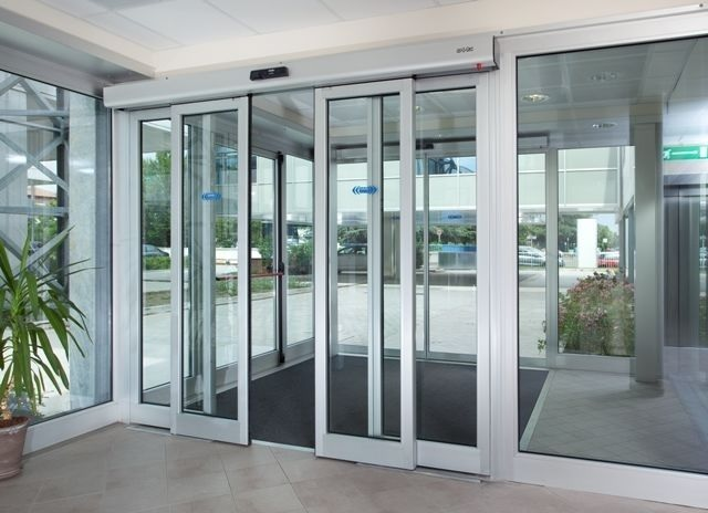 Sliding Automatic Entry Door.